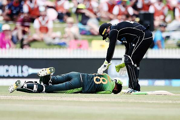 Shoaib Malik suffers delayed concussions after head injury