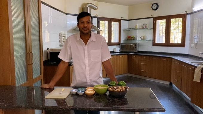 Masterchef Mayank Agarwal shows his culinary skills amid Coronavirus lockdown