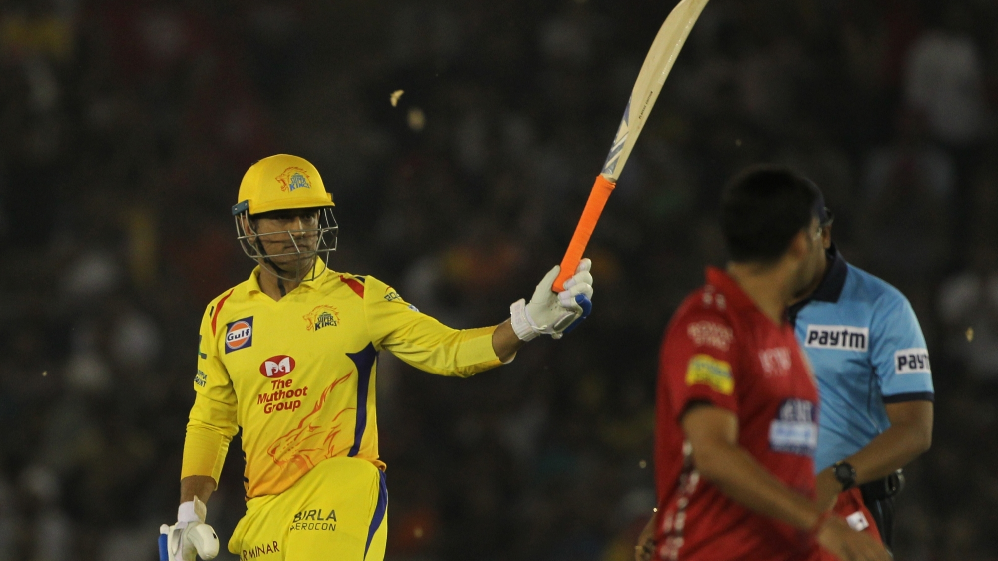 IPL 2018: Virender Sehwag stunned to see MS Dhoni's power hitting against KXIP despite back pain