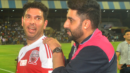 IPL: Abhishek Bachchan is pumped up after Yuvraj Singh joins Mumbai Indians