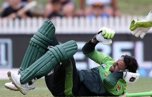 Concussion rules Shoaib Malik out of the T20I series against New Zealand