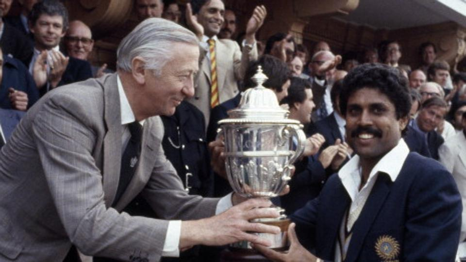 Cricket fraternity wishes India's first World Cup winning captain Kapil Dev on turning 59
