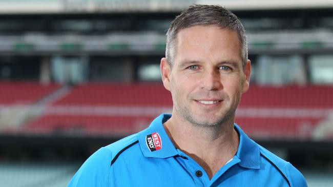 Brad Hodge believes Australia is missing glue in the middle order