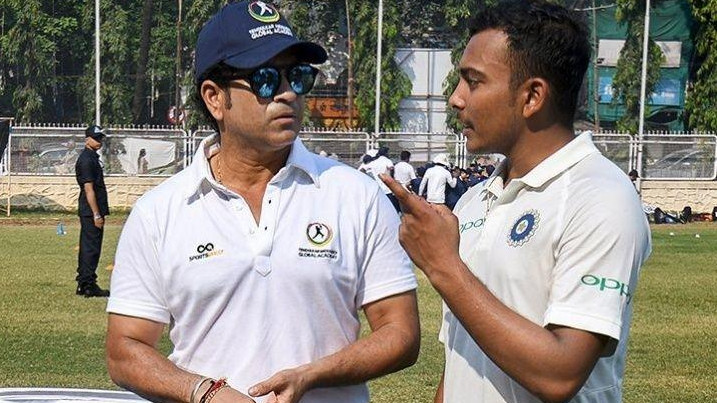 Prithvi Shaw trains with Sachin Tendulkar after recovering from the elbow injury