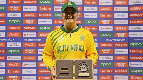 Women's T20WC 2020: South Africa beats England by 6 wickets; Van Niekerk shines