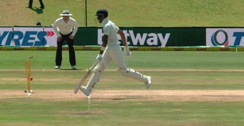 Trying to play the ball over the slip of Lungi Ngidi, Hardik Pandya caught out by wicketkeeper Quinton de Kock in Centurion | Twitter