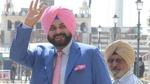 Pakistani Twitterati gives a warm welcome to Navjot Singh Sidhu's parody account