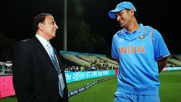 Sunil Gavaskar stands with a frail MS Dhoni for World Cup 2019