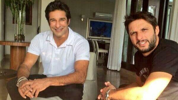 Wasim Akram and Shahid Afridi indulge in a heartwarming Twitter conversation