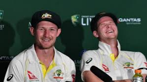 Steve Smith burst into laughter as Cameron Bancroft suffers wardrobe malfunction