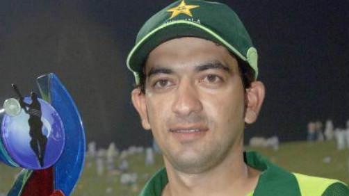 अल जज़ीरा स्टिंग ऑपरेशन में पाई गई पूर्व पाकिस्तानी क्रिकेटर हसन रजा की मौजूदगी