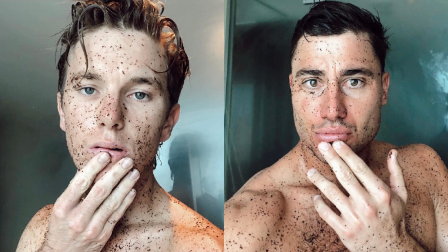 Adam Zampa posts his and Marcus Stoinis' picture taking shower in same pose