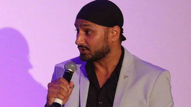 हरभजन सिंह ने 'फेक सोशल मीडिया पोस्ट' पर फैंस को किया सतर्क
