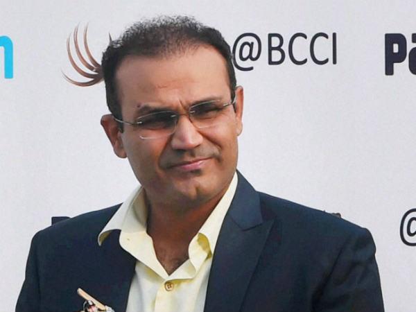 वीरेंद्र सहवाग ने मोहम्मद शमी कि बल्लेबाज़ी का वर्णन एक लोकप्रिय फिल्म के संवाद से किया