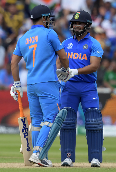 MS Dhoni (L) and Rishabh Pant (R) during the league stage match of World Cup 2019 against Bangladesh | Getty