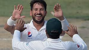 Stats : Yasir Shah is the first Pakistani bowler to pick 10 wickets in a day of a Test