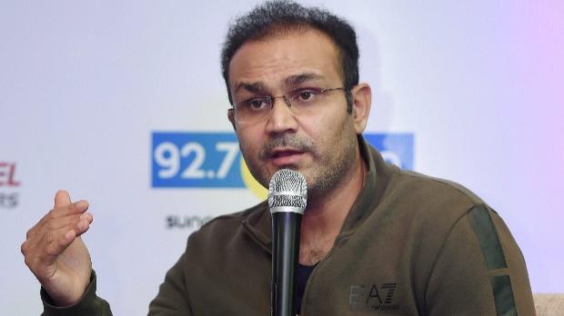 वीरेंद्र सहवाग ने प्रशंसकों से प्लास्टिक कप का उपयोग बंद करने का किया अनुरोध