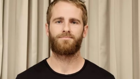 Watch: Kane Williamson tries 'Break The Beard' challenge after IPL teammate Shikhar Dhawan