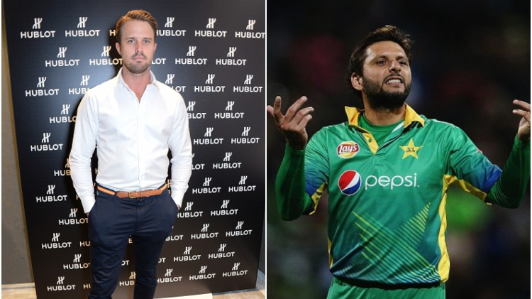 Nick Compton drops a savage reply to roast Shahid Afridi for his inconsistent batting
