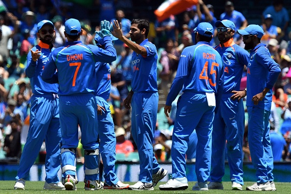 Bhuvneshwar Kumar in action along with his teammates during the first ODI against Australia at SCG | Getty