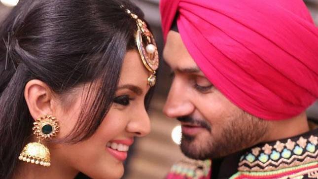 हरभजन सिंह और गीता बसरा ने एक-दूसरे को दी खूबसूरत अंदाज़ में सालगिरह की बधाई