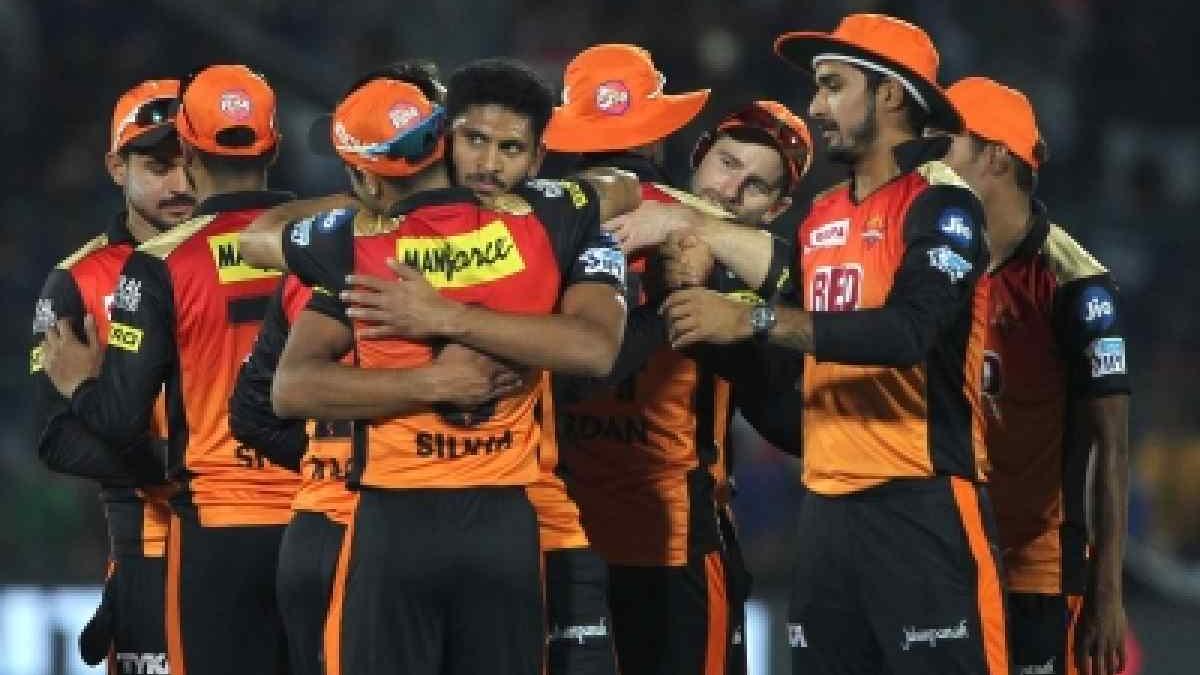 IPL 2018 : सुनील गावस्कर के अनुसार सनराइजर्स हैदराबाद ने पिछले कुछ खेलों में अपनी जीत की गति खो दी हैं