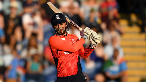 ENG v IND 2018: 2nd T20I – Alex Hales' fifty takes England to a series leveling win