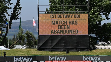SA v ENG 2020: First ODI abandoned as COVID-19 crisis deepens; hotel staff tests positive for virus