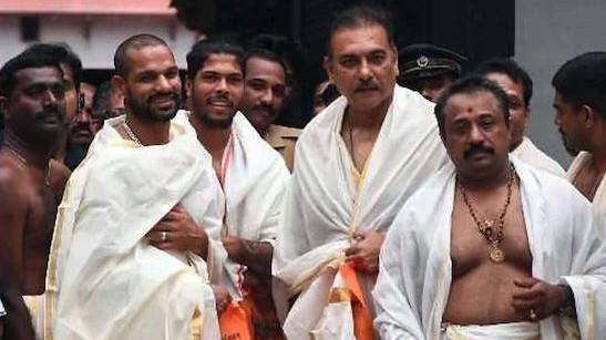 IND v WI 2018 : रवि शास्त्री, धवन और उमेश ने तिरुवनंतपुरम में श्री पद्मनाभस्वामी मंदिर के दर्शन