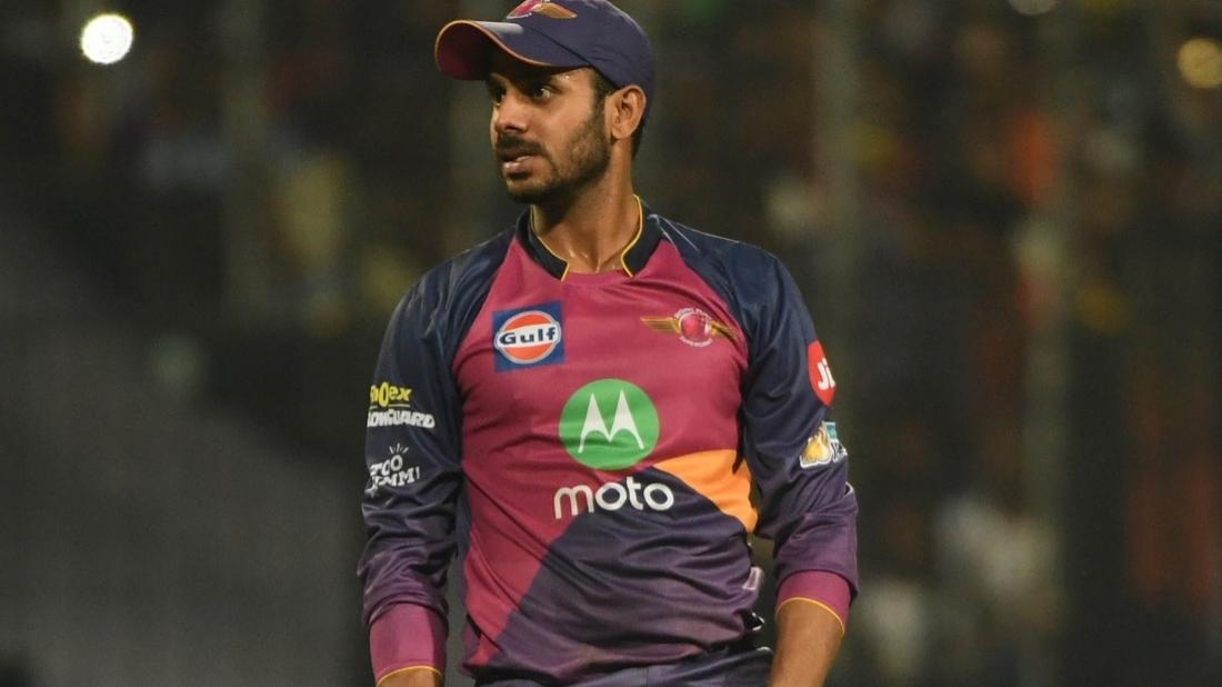 मनोज तिवारी ने चेन्नई सुपरकिंग्स के खिलाफ विनय कुमार के बचाव में,आकाश चोपड़ा से किया आग्रह