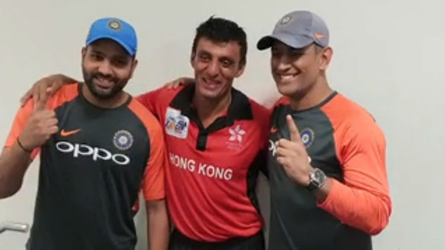 Asia Cup 2018: Indian players visit the Hong Kong dressing room in a heartwarming gesture