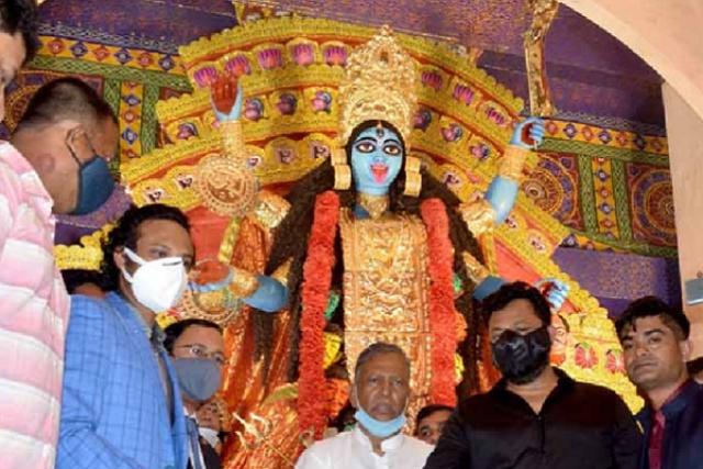Shakib Al Hassan attended Durga Puja on 12 November in Kolkata | You Tube