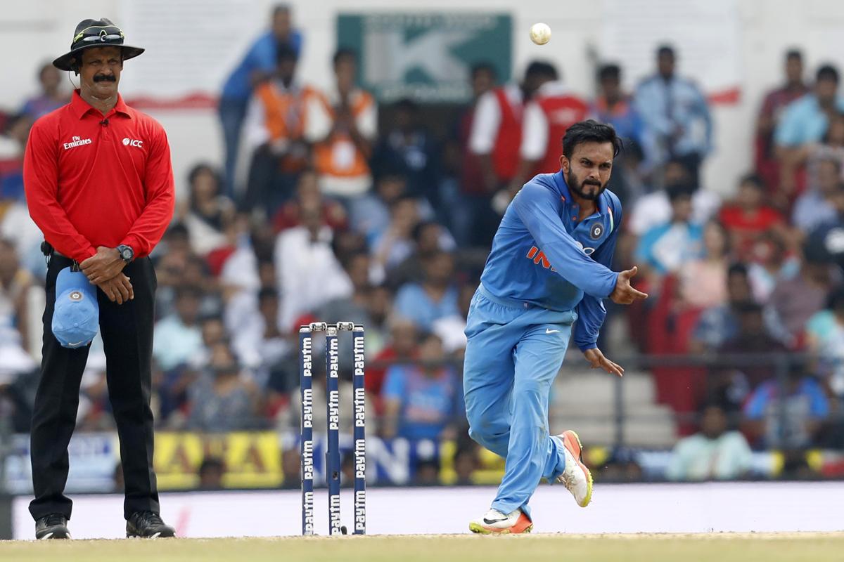 Yuzvendra Chahal pulls Kedar Jadhav's leg over his bowling action