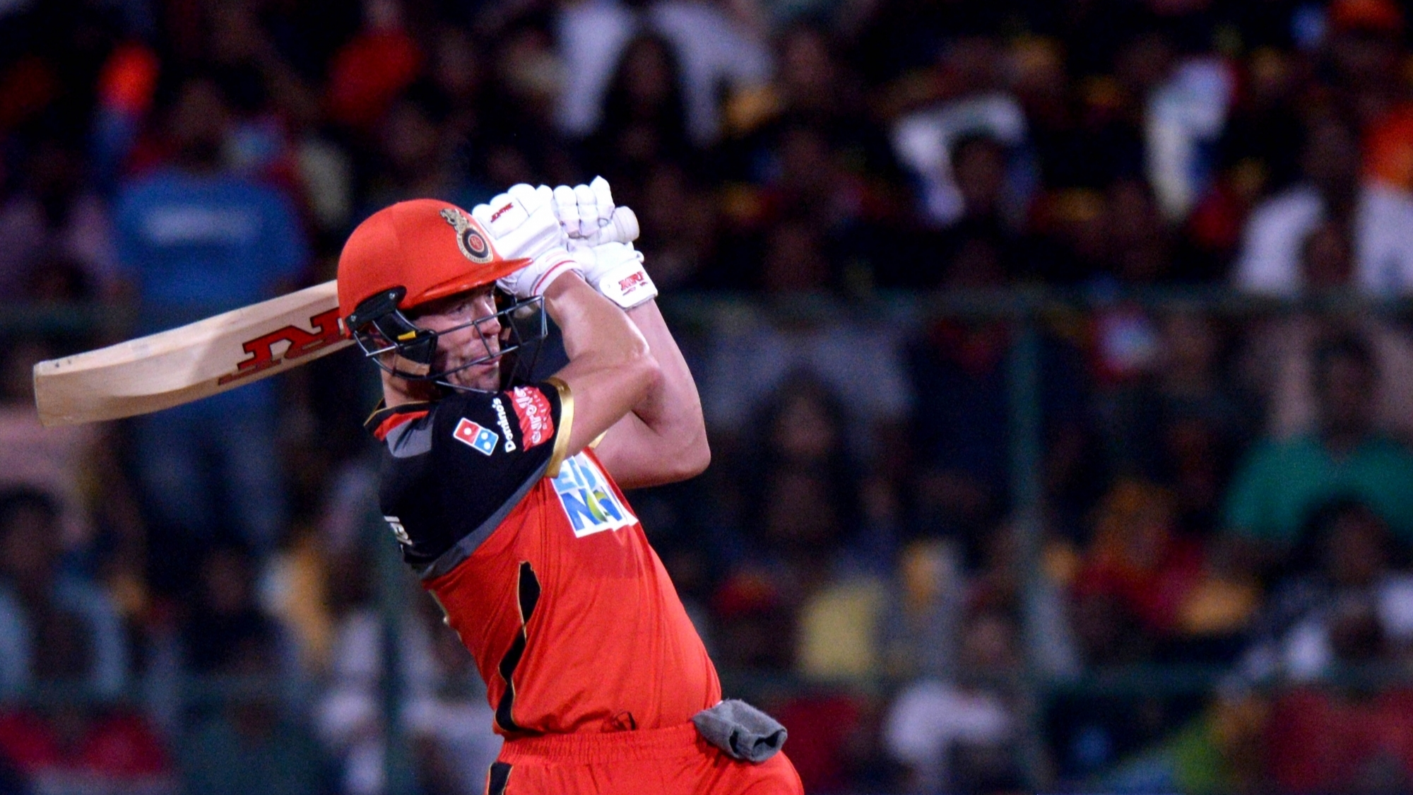 IPL 2018: Watch: AB de Villiers hit a 105m six at the Chinnaswamy against Sunrisers Hyderabad