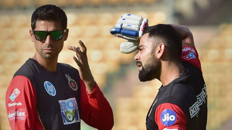 IPL: RCB sacks Ashish Nehra; Twitterati happy with the decision