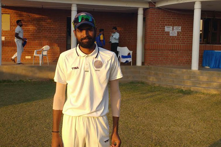Ravi Kiran took a four wicket haul for HYD
