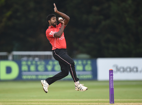Varun Aaron played for Leicestershire in the 2018 season | Getty Images
