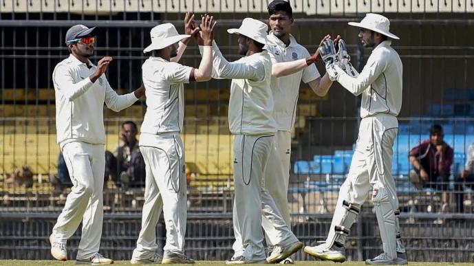 आंध्र प्रदेश की टीम ने मध्यप्रदेश को 35 रनो पर ही आल-आउट करते हुए टूर्नामेंट से किया बाहर