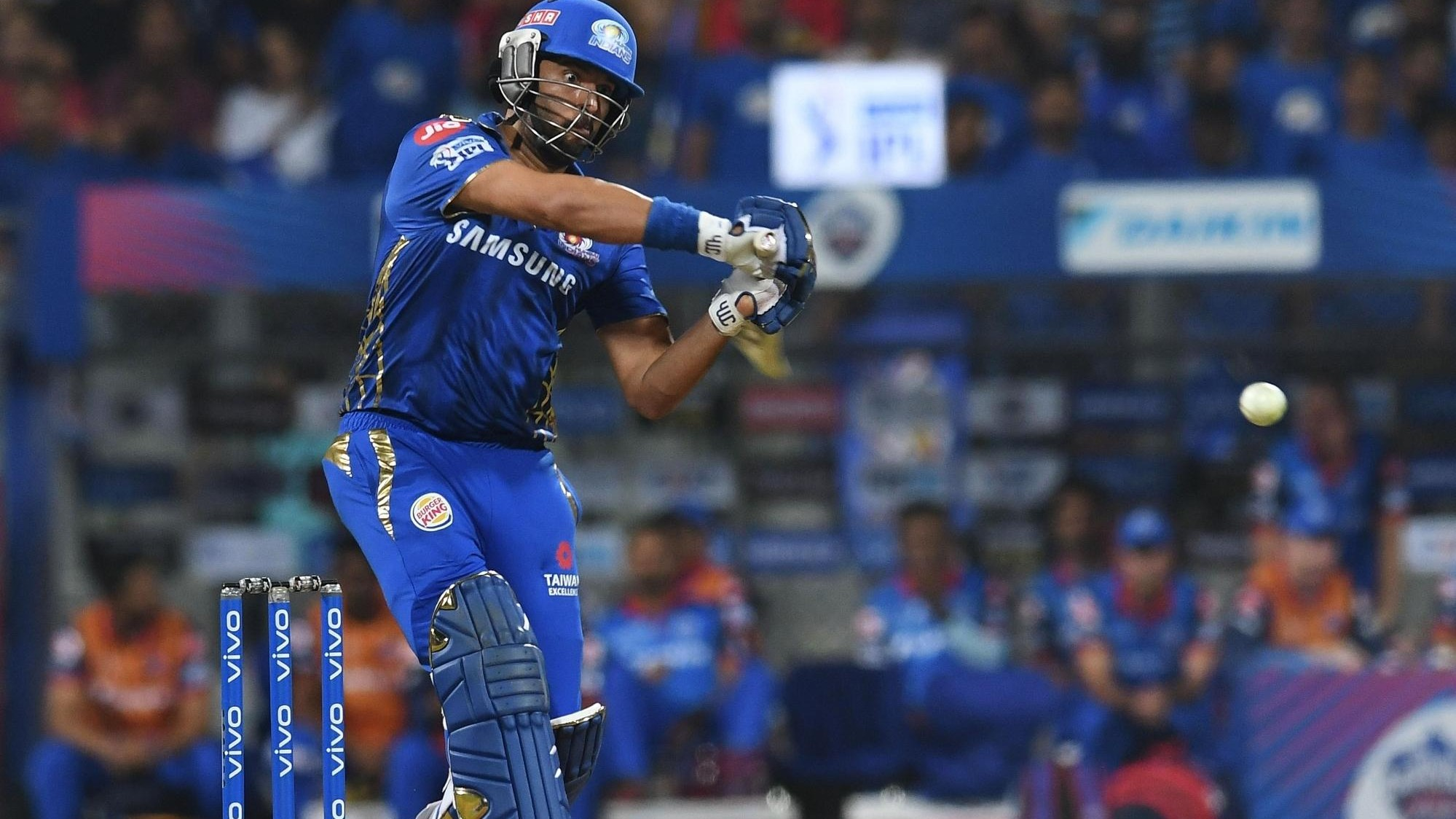 IPL 2019: RCB v MI – Twitterati go crazy as Yuvraj Singh hits 3 consecutive sixes off Yuzvendra Chahal