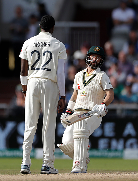 Jofra Archer comes in the way of Mathew Wade as the latter attempts to take a second run | Getty