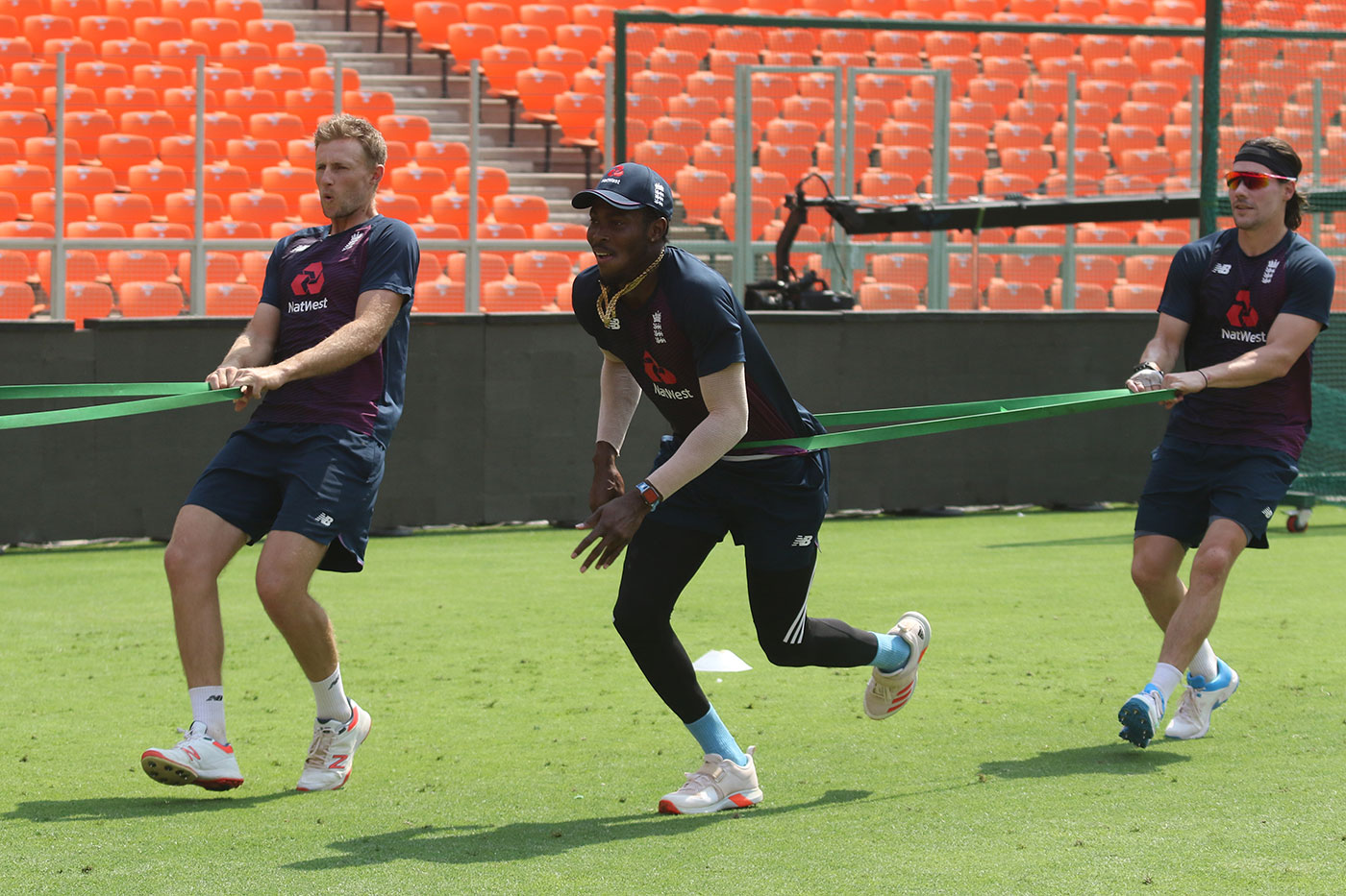 Jofra Archer warms up with Joe Root and Rory Burns in Ahmedabad | BCCI
