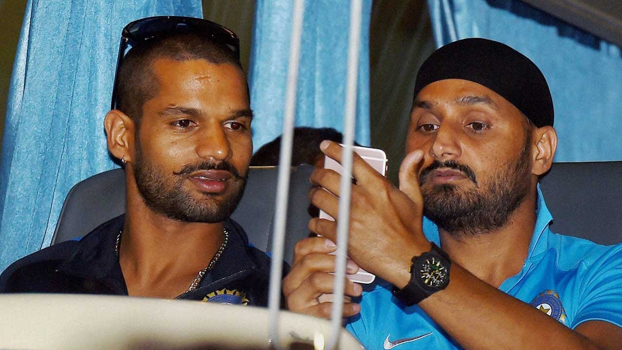 Harbhajan Singh calls Shikhar Dhawan a 'Daaku' on his Instagram post