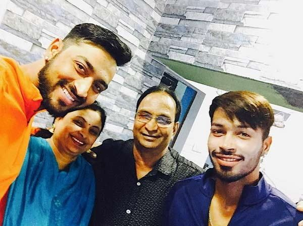 Hardik Pandya turns 25 today on October 11, 2018; with his family