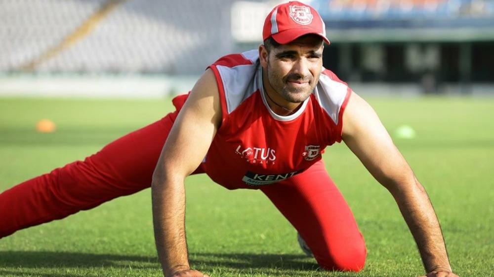 वीरेंद्र सहवाग ने आईपीएल 2018 के लिए मंज़ूर डार को बताया बैटिंग बाहुबली