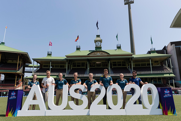 Several international cricket stars pose during the ICC T20 World Cup fixture announcement at SCG | Getty