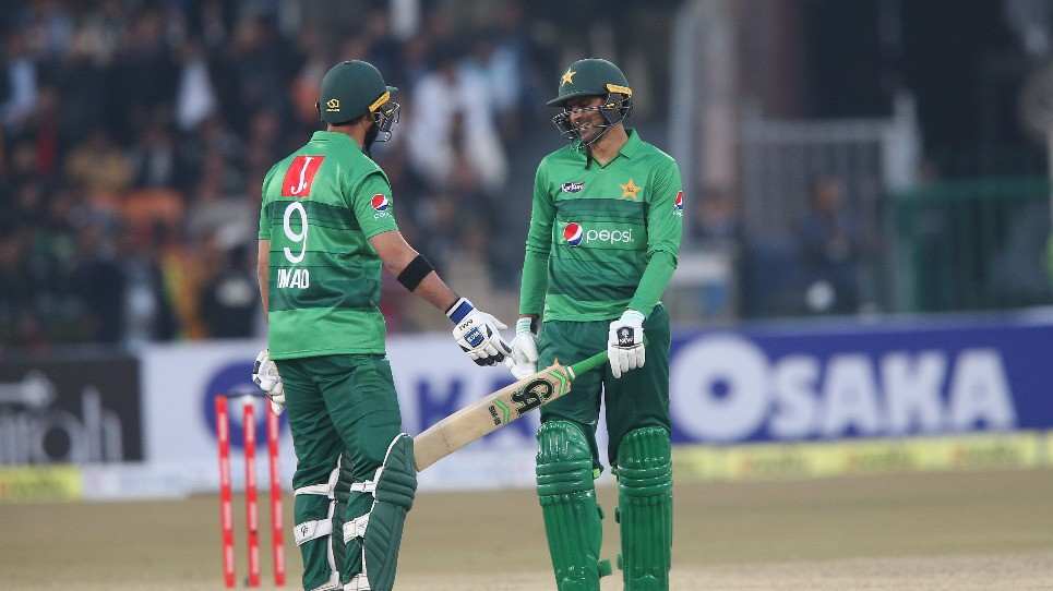 PAK v BAN 2020: Shoaib Malik fifty helps Pakistan to a 5-wicket win in 1st T20I