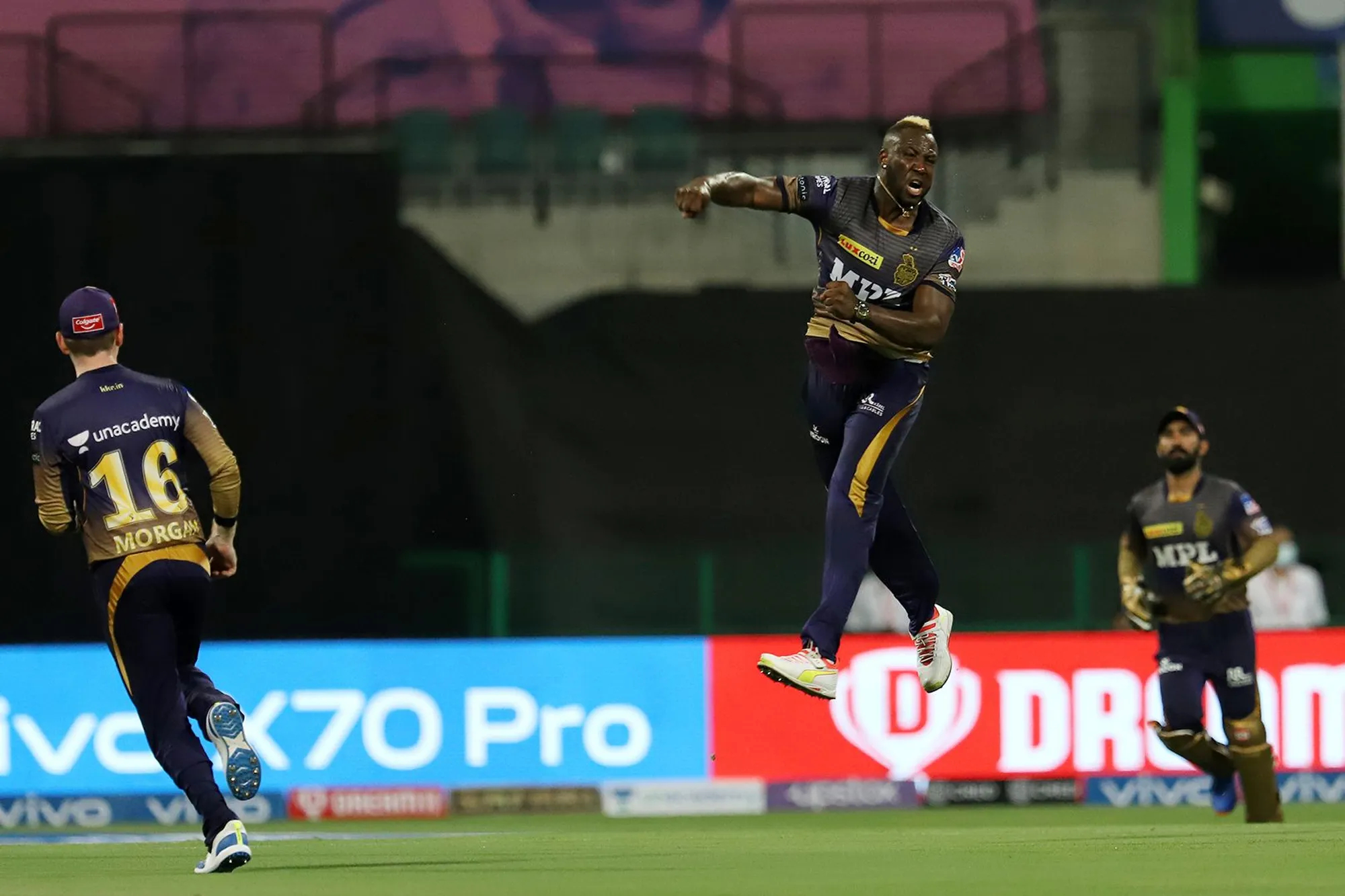 Andre Russell picked 3/9 including wicket of AB de Villiers for a duck   IPL-BCCI