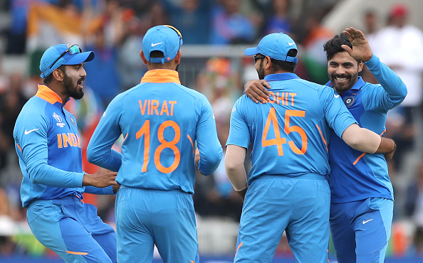 Jadeja and his teammates celebrates Nicholls wicket | Getty