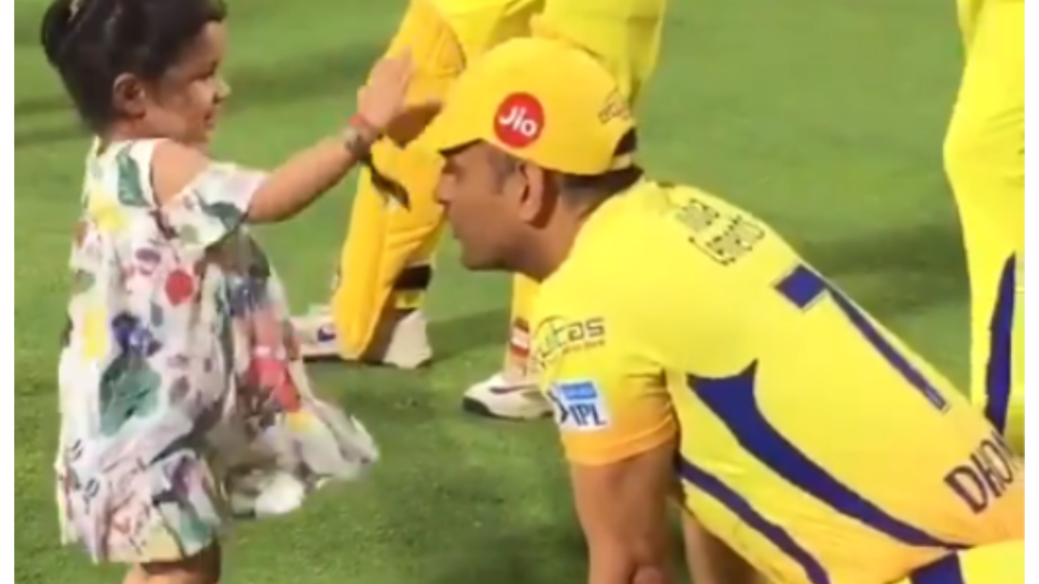 IPL 2018: Watch – MS Dhoni shares light-hearted moment with daughter Ziva after CSK's win over KXIP
