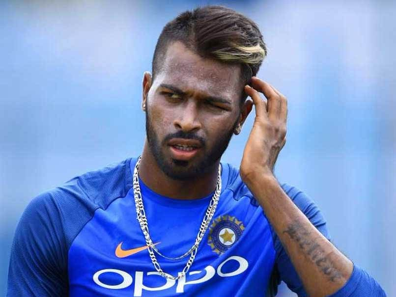 Fake FB Wall: MS Dhoni suggests Hardik Pandya a new hair color